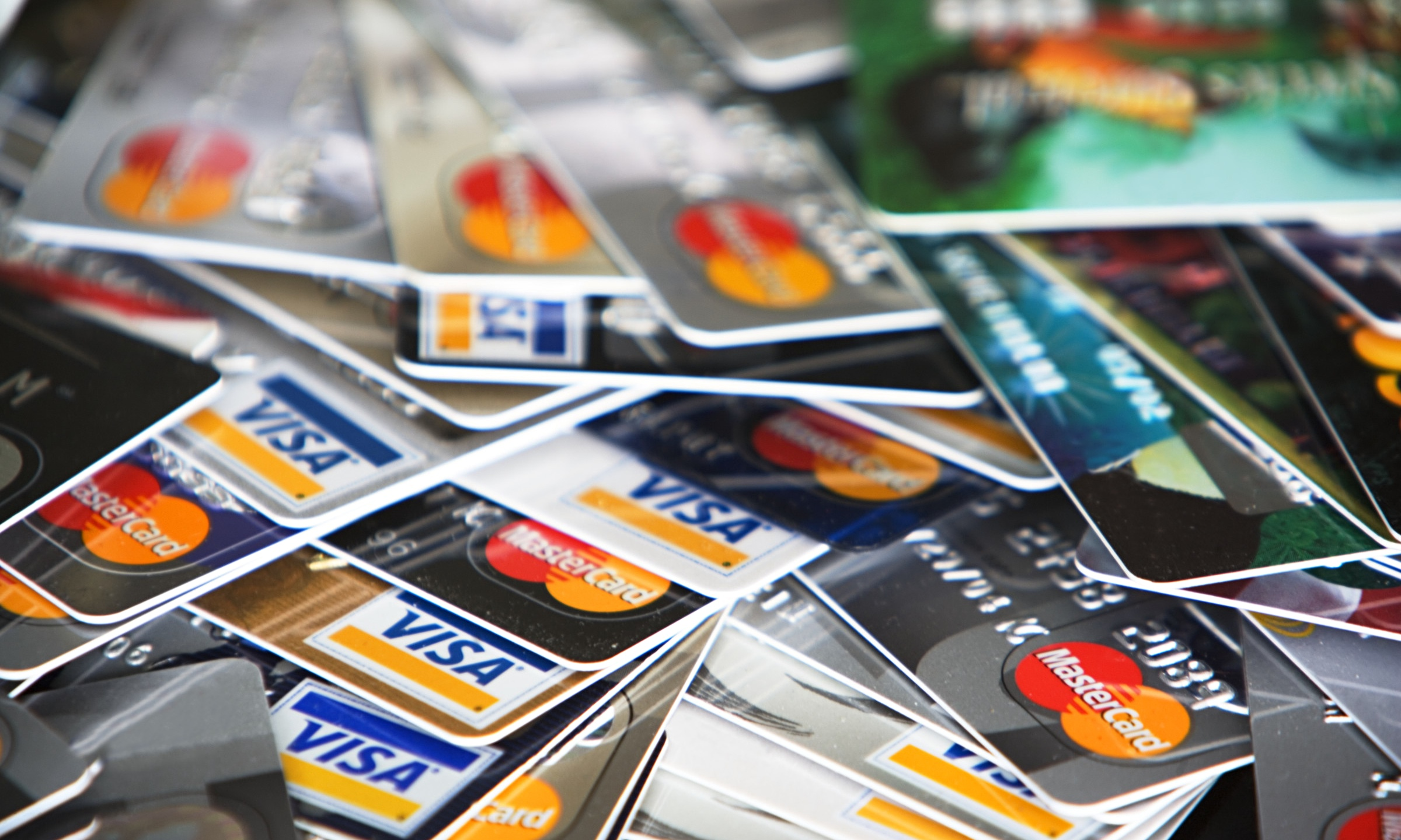 How to Enjoy your Credit Card without Going into Debt