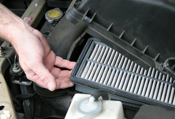 changing car air filter