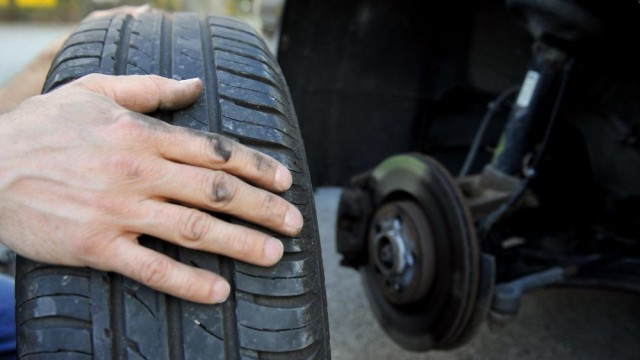 rotating car tires